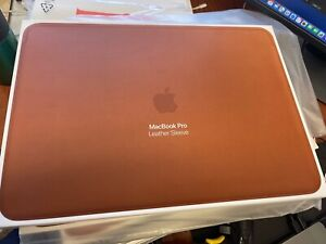 Apple Leather Sleeve for 15-inch MacBook Pro - Saddle Brown *NEW in Box* Genuine