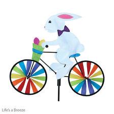Conejo Bunny hilandero del viento sobre una Bike Jardín Spinner. Spinner 20x16.5 pulgadas de tierra