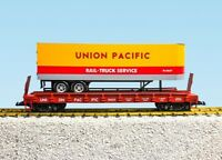 """USA Trains 17044 Piggyback Flat Car With Trailer """"Union Pacific"""""""