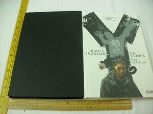 Y The Last Man Deluxe Edition hardcover book 1 Vertigo VF+