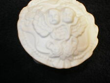 "4""D x 1""H(2""with lid) White Ceramic Trinket/Jewelry Box from Ma's Estate"