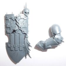 Khorne Bloodbound Mighty Skullcrushers Left Arm & Shield A - G1065