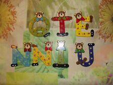 """7 Ancienne Lettres en Bois Peint chambre enfant """" Quentin """" Ours Clown H: 9 cm"""