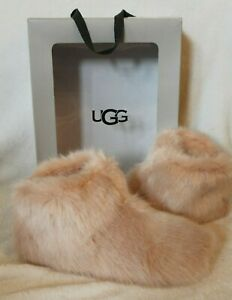 NIB UGG Amary Fur Fluff Slippers Women's Ankle Bootie Shoes Pink Quartz