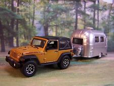 FAMILY VACATION JEEP RUBICON + AIRSTREAM CAMPER 1/64 DIORAMA COLLECTIBLE MODELS