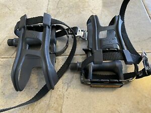 Flat Bicycle Pedals Toe Clips Straps Black