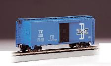 """HO Gauge-Bachmann """"Silver Series""""-17048-Boston & Maine Railroad 40' Box Car"""
