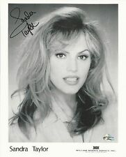 Sandra Taylor Signed 8x10 - HoFS # 17385