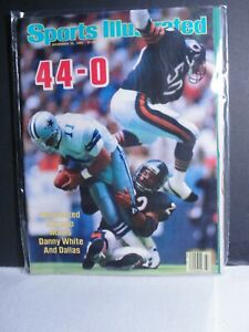 1985 Sports Illustrated  Chicago Bears Maul Danny White and Dallas Cowboys 44-0!