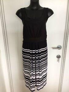 Size 24/26 Flattering Black Stripe Skirt Detail Dress