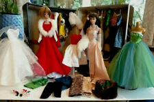 HUGE lot Vintage Barbie dolls, clothes and case.  NICE!!!