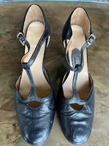Vintage Ladies T Bar Shoes Size 5 1/2 (teensy Toes!)