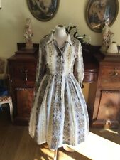 Beautiful Vintage Brown and white 40/50s swing dress. Size 10