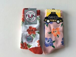 2 PAIRS WOMENS NOVELTY CREW SOCKS * HIBISCUS FLOWERS * NWT * PINK/RED
