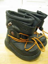 Carter's Size 6 Sports Theme Velcro Winter Snow Boots Navy Blue & Black