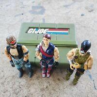 Gi Joe Lot -- 3 figures and a case
