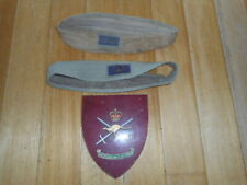 VINTAGE AUSTRALIAN ARMY STAFF LONDON PLAQUE CROSS SWORDS HAT BANDS WITH BADGE