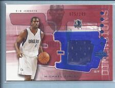 2004 upper deck Basketball  3-D Game Worn MICHAEL FINLEY  no.3DJ38