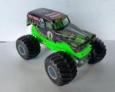 Hot Wheels Monster Jam Grave Digger Die-Cast Vehicle, 1:24 Scale