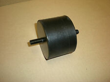 TRIUMPH TR7 ** ENGINE MOUNT RUBBER LH 1974-1977 ** UKC3325