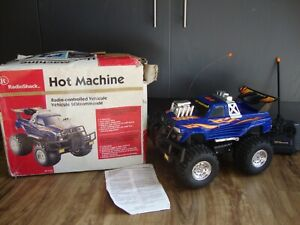 VINTAGE RADIO SHACK HOT MONSTER 4WD RADIO CONTROL MONSTER TRUCK BOXED