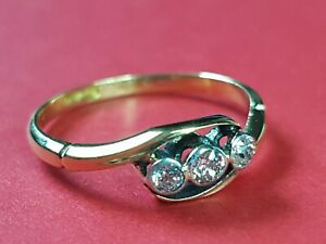 BEAUTIFUL  ANTIQUE 18ct YELLOW GOLD DIAMOND TRILOGY BAND RING SIZE L