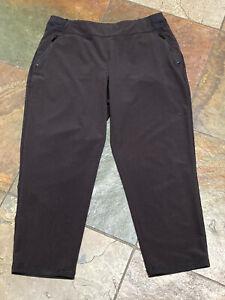 0121 CHICO'S ZENERGY 1 (8/10) Black Cropped Casual 4 Zip Pocket Pants #116 B