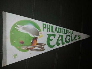 Vintage 70s - 80s PHILADELPHIA EAGLES  NFL Football Classic Helmet FELT Pennant
