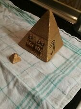 Deko Gpldene Pyramide