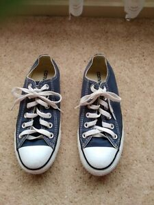 """""""Converse"""" gorgeous ladies runners / shoes  Size 7"""