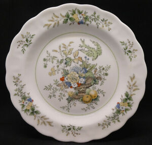 Royal Doulton The Majestic Collection, New Hampshire Salad/Dessert Plate
