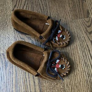Toddler Size 7 Minnetonka Moccasins Beaded Suede Red White Black Native American