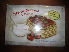 Blechschild für Küche Strawberries und Cream Erdbeeren 20x30 cm gewölbt  geprägt