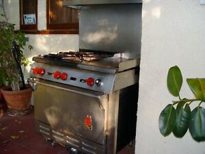 wolf stainless steel gas stove with 4 burners & original hardware