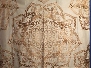 """NEW 60""""x52"""" Velvety Brown Beige & Oatmeal Cream Flower Mandala Tapestry w/Clips"""