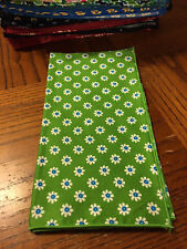 Vera Bradley 1 APPLE GREEN cute flower retired Dinner Fabric Napkin NEW NWOT FS!