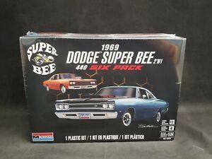 Revell/Monogram 1969 Dodge Super Bee 2'N1 1:24 Scale Plastic Model Kit 85-4505