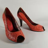 "Poetic Licence Women's Coral Pink Laser Cut Peep Toe Pumps   Size 7M   ~3"" Heels"