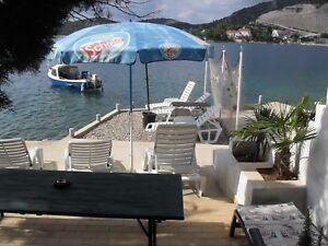 Strand Urlaub Kroatien,Ferienhaus,Haus am Meer mit Privatstrand und Bootssteg !