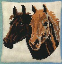 Kissen Stickpackung Sticken 40x40 cm Kreuzstich Pferd Pferde Stute Fohlen Hengst