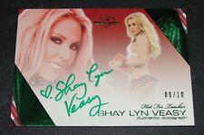 2011 Benchwarmer SHAY LYN VEASY Hot For Teacher #26 Green Foil Autograph/10 Sexy