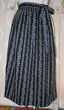 NEU** lange  Dirndl Schürze in schwarz weiss  von H.MOSER Mode  aus  Salzburg 92