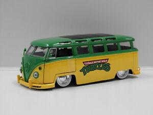 """1:24 1962 Volkswagen Bus & Leonardo """"Teenage Mutant Ninja Turtles"""" Jada 31786"""