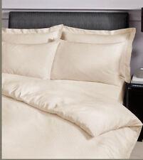 Linge de lit et ensembles à motif Rayé modernes