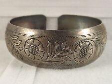 Rare Antique 800 Silver Marked Wienerhandarbeit Signed Chased Flower Bracelet