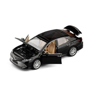 1:32 Toyota Camry Metal Diecast Model Car Toy Collection Sound&Light Pull Back