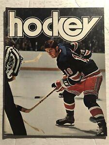 1974 NEW YORK RANGERS vs TORONTO MAPLE LEAFS Program Walt TRACZUK Gilbert PARK