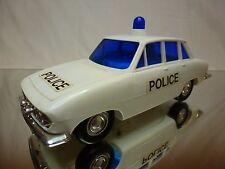 TOMY PLASTIC TRIUMPH 2500 - POLICE WHITE L21.5cm - GOOD CONDITION - SPEAKING CAR