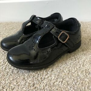CLARKS Mary Jane Girls Black Patent Leather School Shoes Size 7.5F Velcr Strap