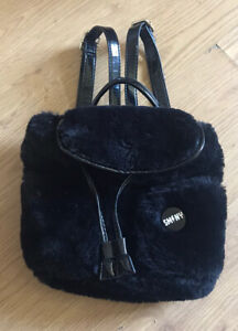 Girls Steve Madden Black Fluffy Backpack/Rucksack (Fab Condition)
